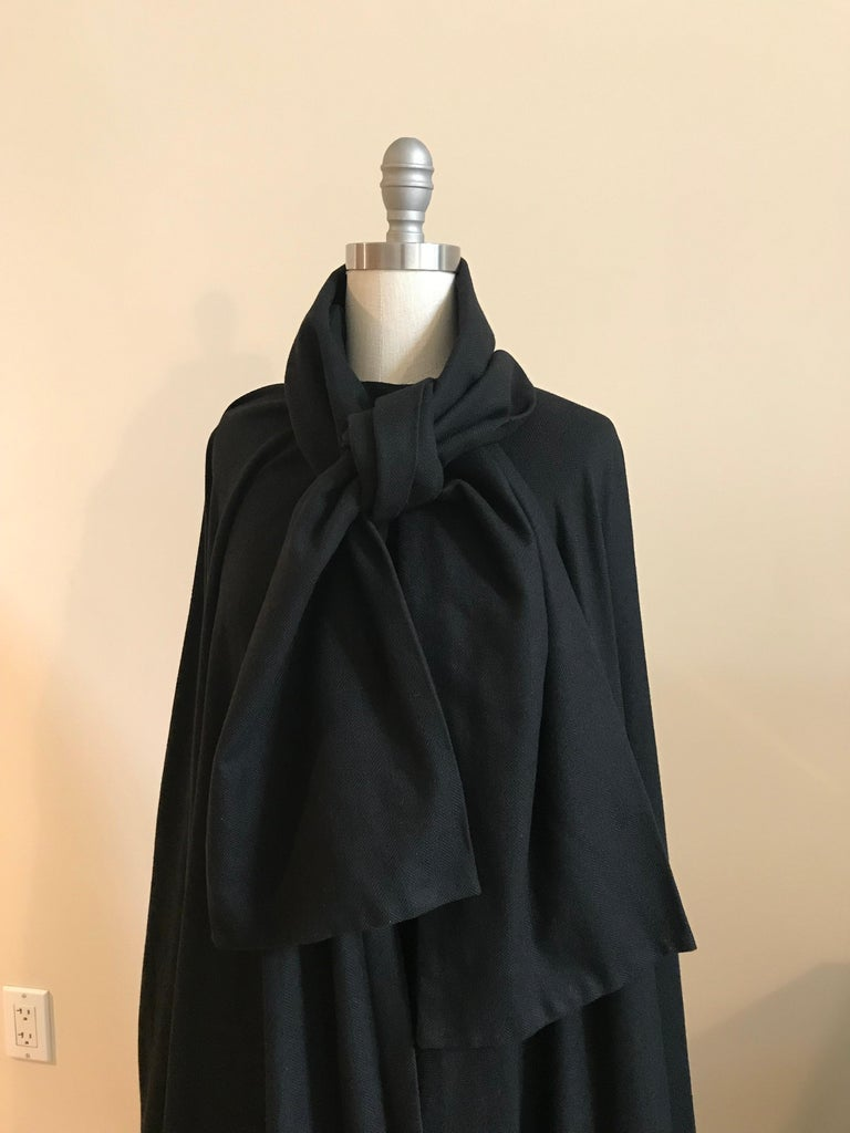 Geoffrey Beene 1970s Black Long Cloak Cape with Tie Neck Scarf Collar Detail For Sale 1