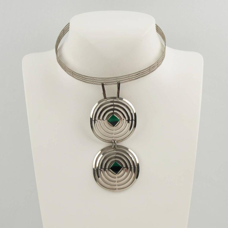 Mid Century Space Age Chrome & Green Cabochon Dog Collar Necklace 3
