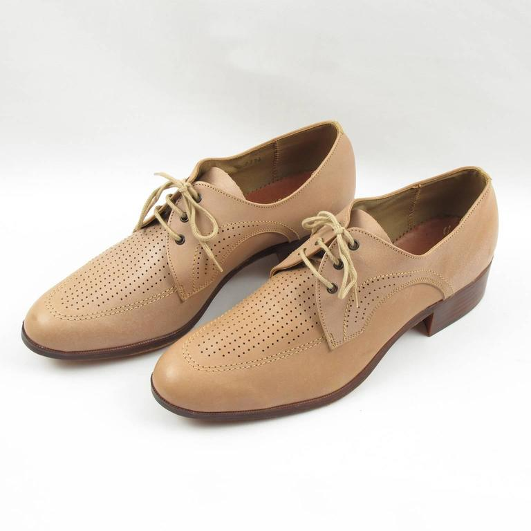 Vintage 1950s Nude Leather Derbys Men Shoes Size 41 / 8.5 US In Excellent Condition For Sale In Atlanta, GA