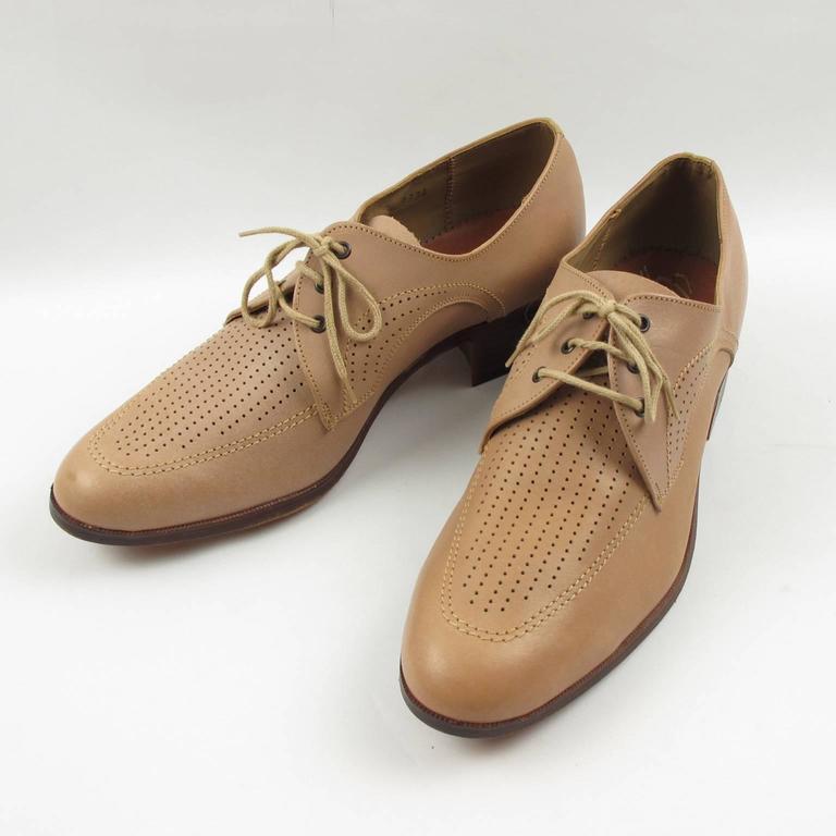 Men's Vintage 1950s Nude Leather Derbys Men Shoes Size 41 / 8.5 US For Sale