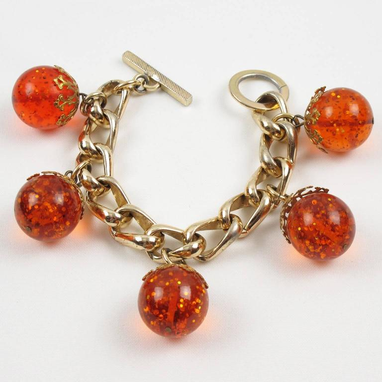 Orangeade Prystal Bakelite Bead Charm Bracelet with Gilt Chain 4