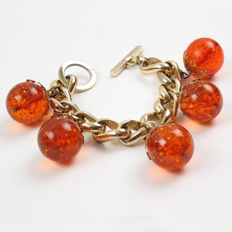 Orangeade Prystal Bakelite Bead Charm Bracelet with Gilt Chain 3