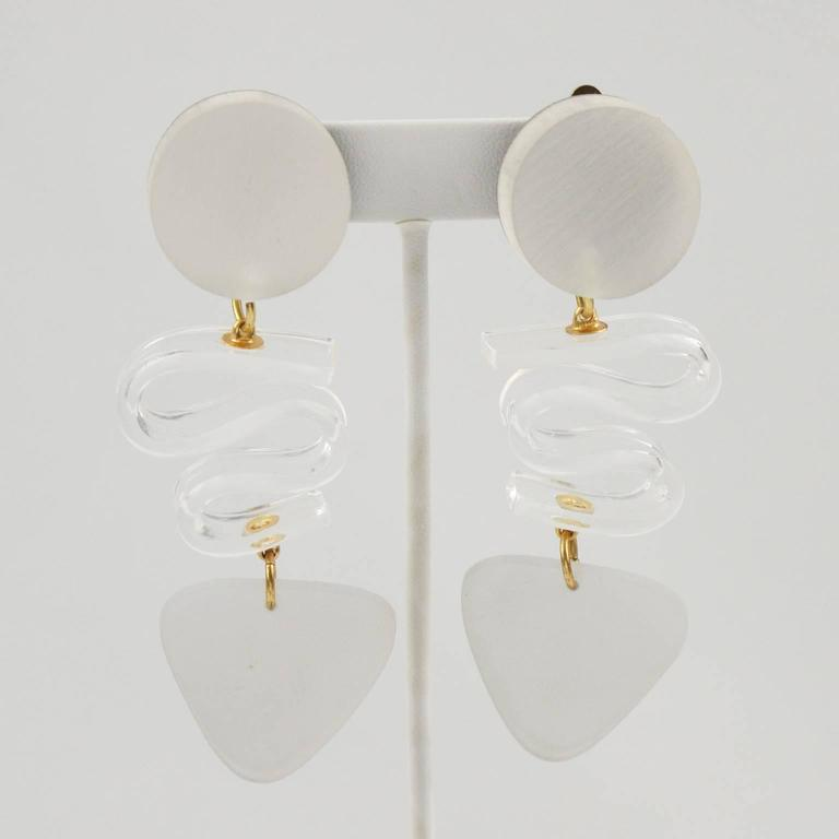 Rare Frosted White Lucite Dangle Clip Earrings by Harriet Bauknight for Kaso 4