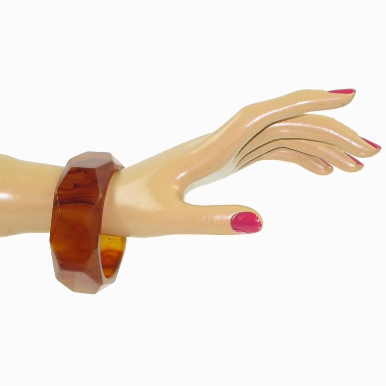 Bakelite Carved Faceted Bracelet Bangle Rootbeer Marble Color 5