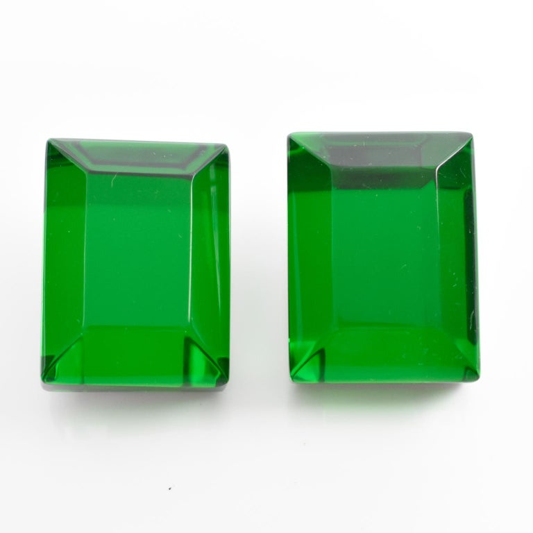Harriet Bauknight For Kaso Oversized Emerald Green Lucite Clip On Earrings In Excellent Condition