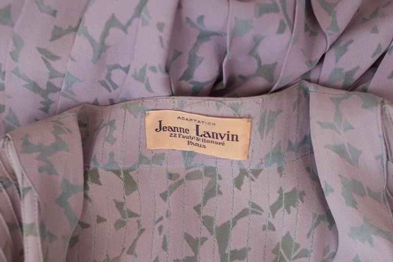 Rare Jeanne Lanvin Floral Voided Crepe Day Dress w/Pin Tucked Detail ca. 1939  In Excellent Condition For Sale In Los Angeles, CA