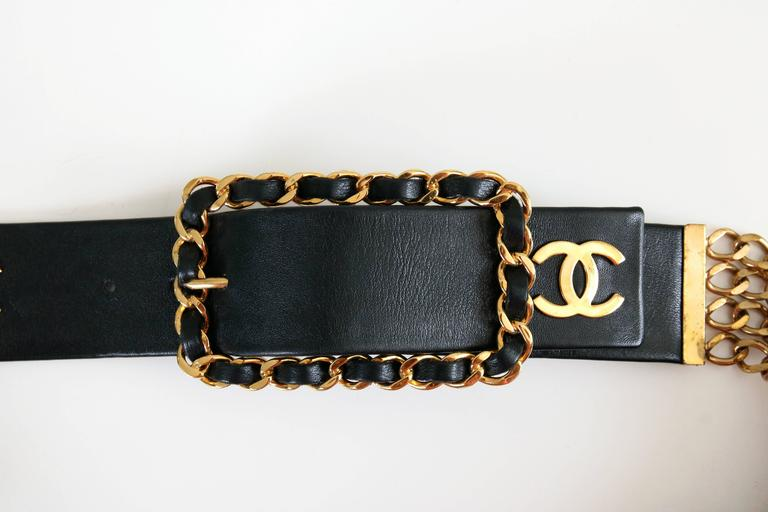 Women's Chanel Black Leather & Stacked Chain CC Logo Belt w/Chain & Leather Buckle For Sale