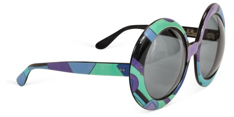 Gray 1960's Pucci Oversized Sunglasses w/Iconic Pucci Print For Sale