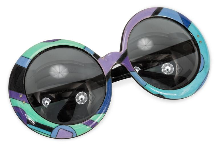Rare 1960's Emilio Pucci with oversized round, abstract printed frames. In very good condition. Made in Italy.