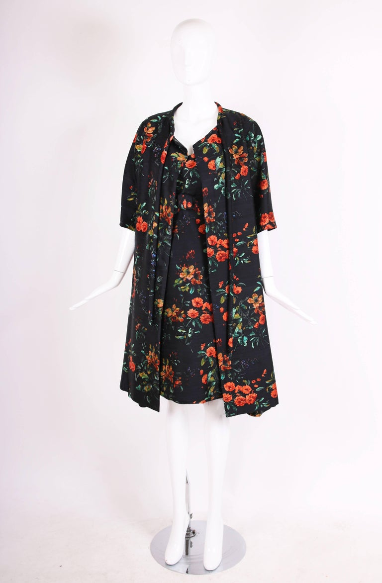 1960's Christian Dior Navy Blue Silk Shantung Swing Coat W/Floral Print In Excellent Condition For Sale In Los Angeles, CA