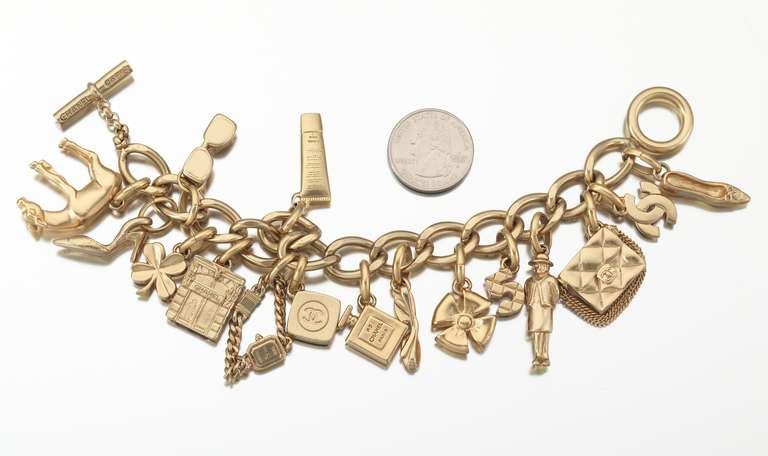 2002 Chanel Charm Bracelet With 16 Iconic Charms In Excellent Condition For Sale In Los Angeles, CA