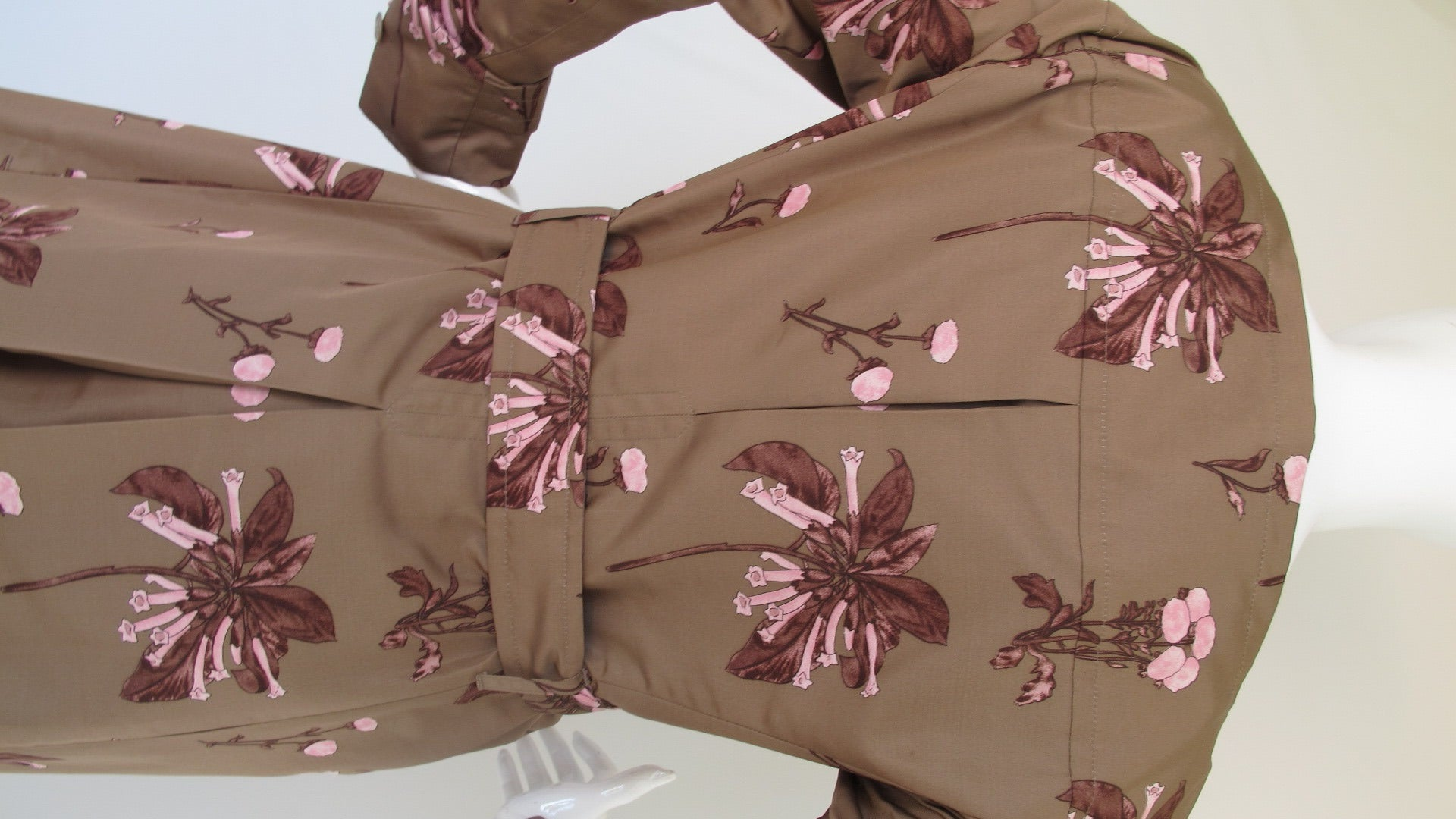 Prada Floral Print 100% Silk Double-Breasted Coat For Sale at 1stdibs