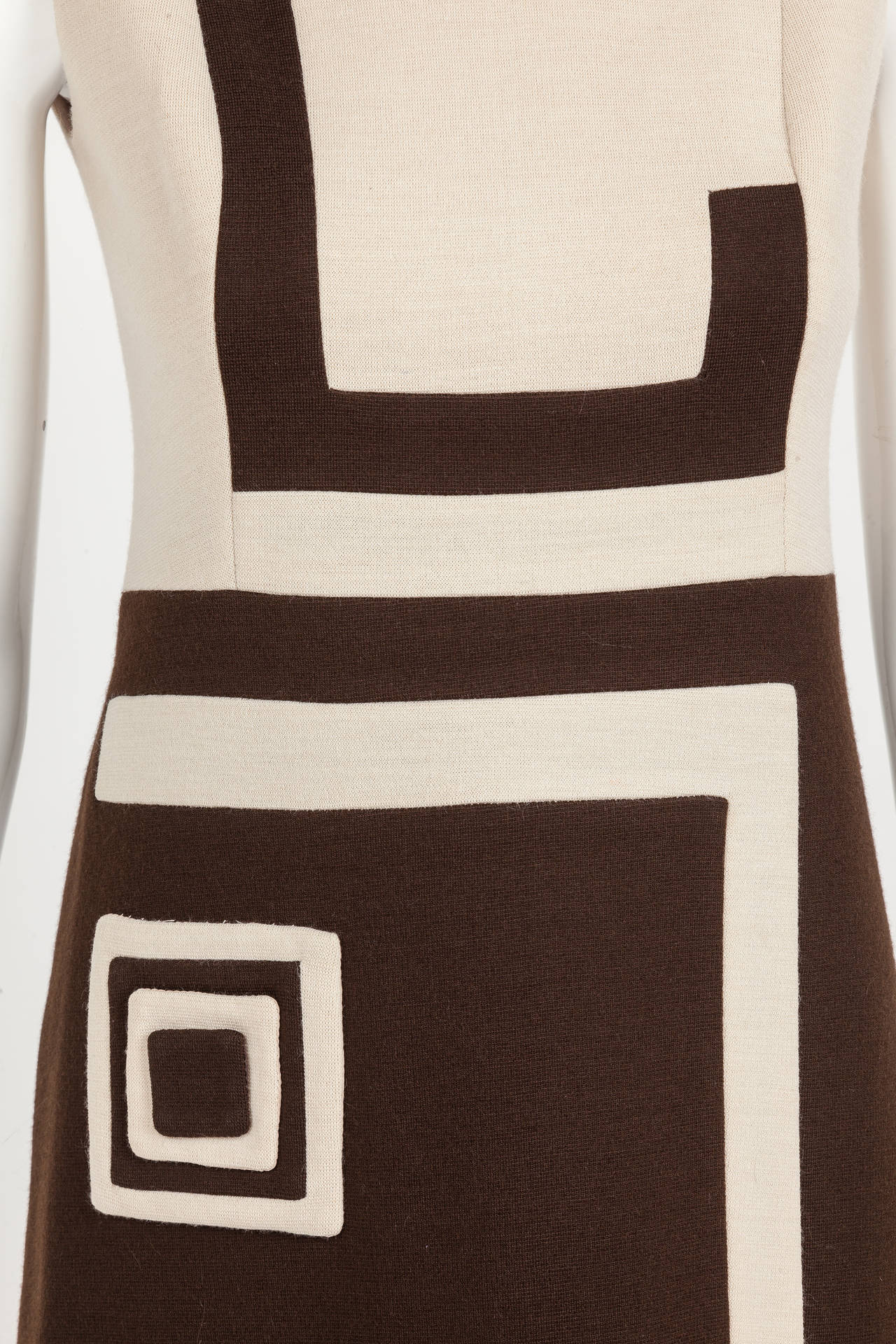 1970s Pierre Cardin Mod Graphic Jersey Wool Day Dress In Excellent Condition For Sale In Los Angeles, CA