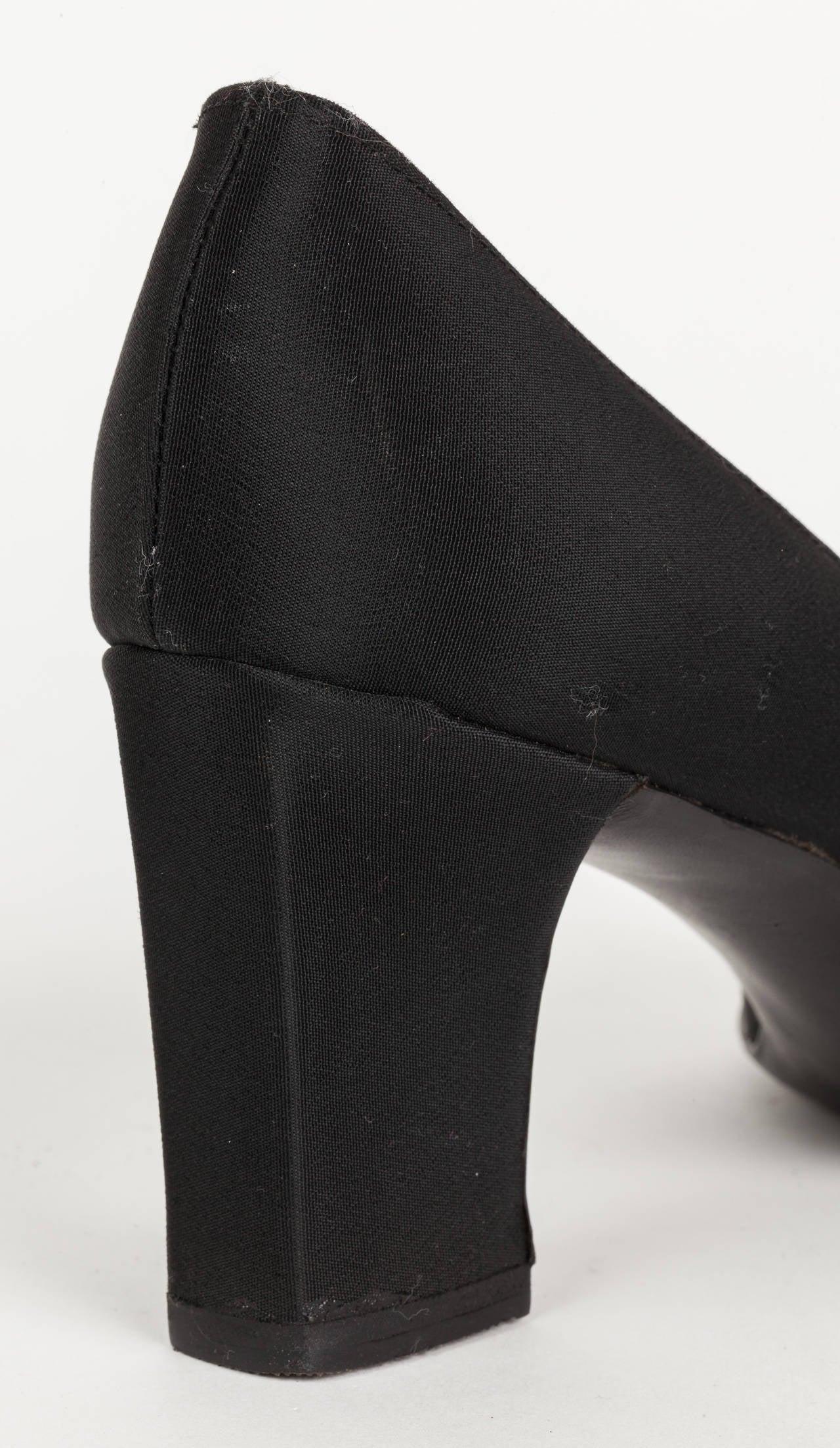 Vintage Pierre Cardin Paris Silky Pumps High Heels W