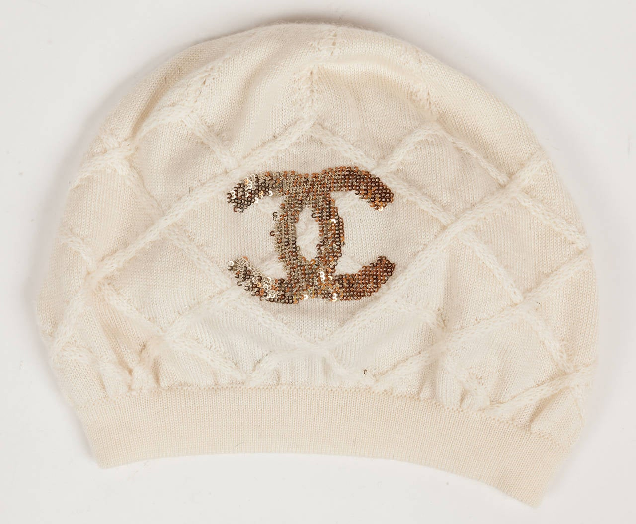 Chanel 100% Cashmere Beret Hat w/CC Logo in Gold & Bronze Sequins In Excellent Condition For Sale In Los Angeles, CA
