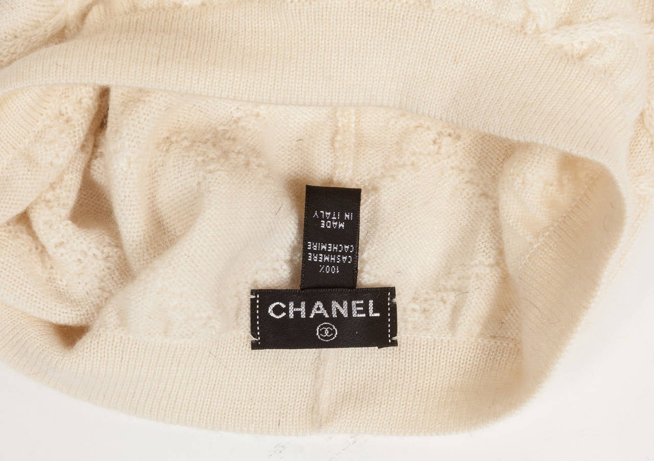 Women's Chanel 100% Cashmere Beret Hat w/CC Logo in Gold & Bronze Sequins For Sale