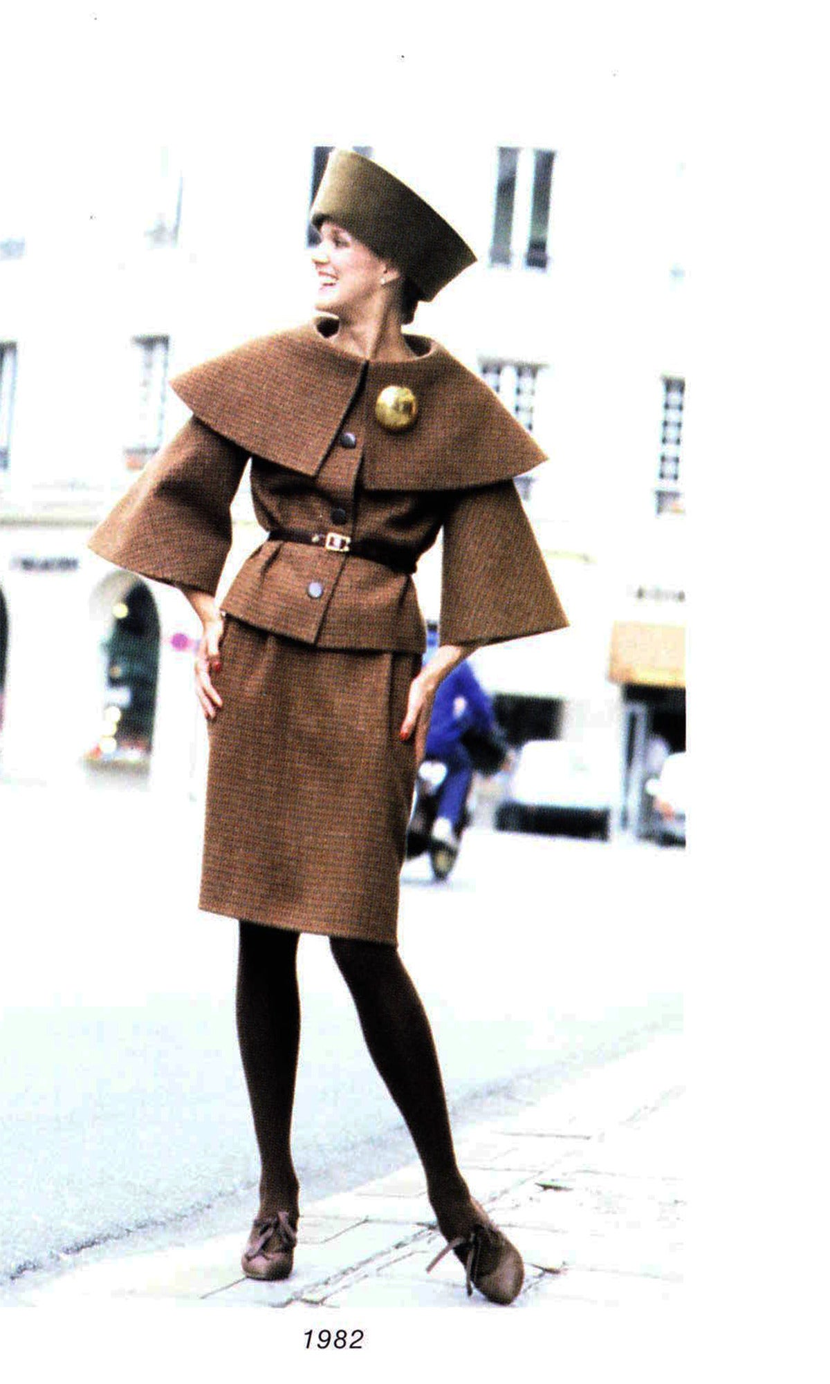 Pierre Cardin Tweed Jacket and Skirt Ensemble Suit w/Detachable collar ca. 1982 10