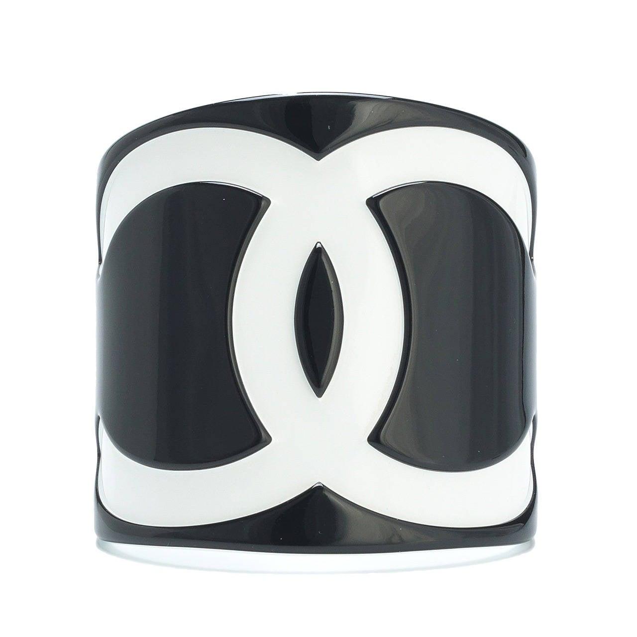 cddd6e38c8e 2005 Chanel Resin Cuff Bracelet W Cc Logo In White On Black