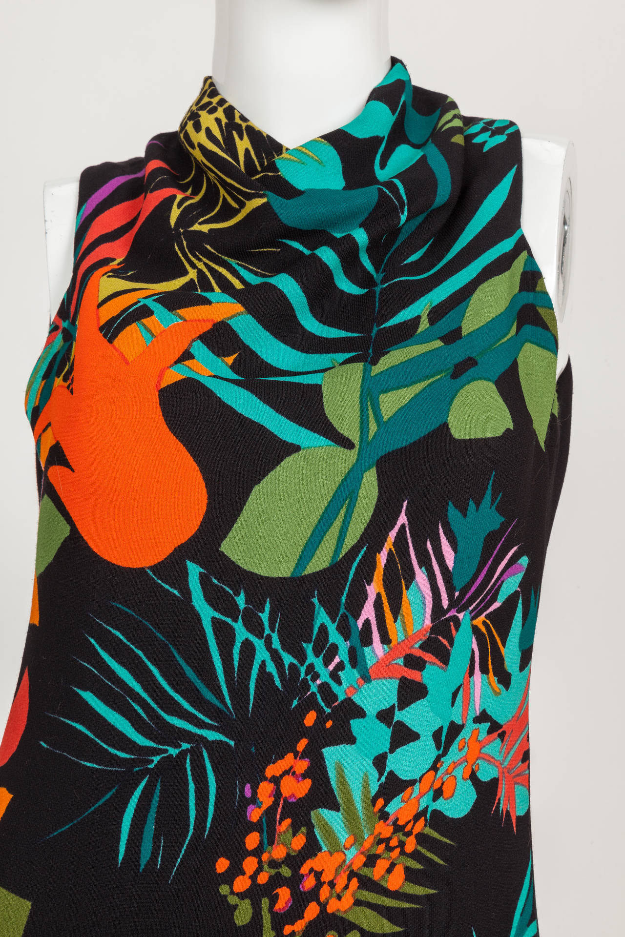 Women's Pauline Trigere Sleeveless Floral Cocktail Day Dress ca. late 1970s/early 1980s For Sale