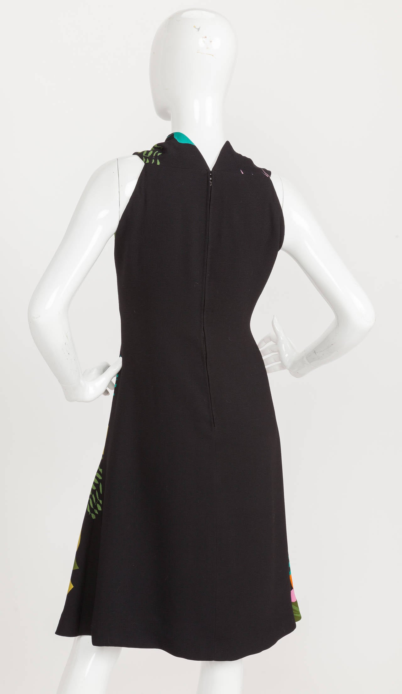 Pauline Trigere Sleeveless Floral Cocktail Day Dress ca. late 1970s/early 1980s For Sale 2