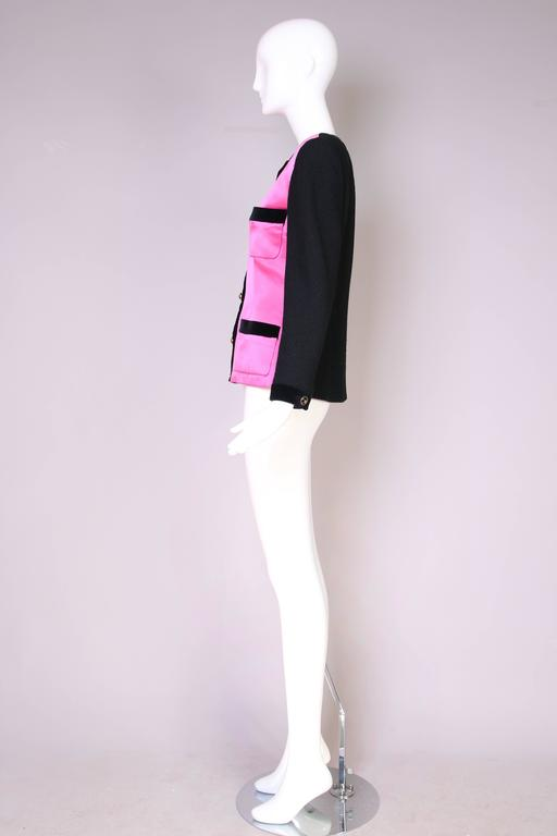 1987 A/H Chanel Pink Satin & Black Wool Boucle Jacket w/Velvet Trim In Fair Condition For Sale In Los Angeles, CA