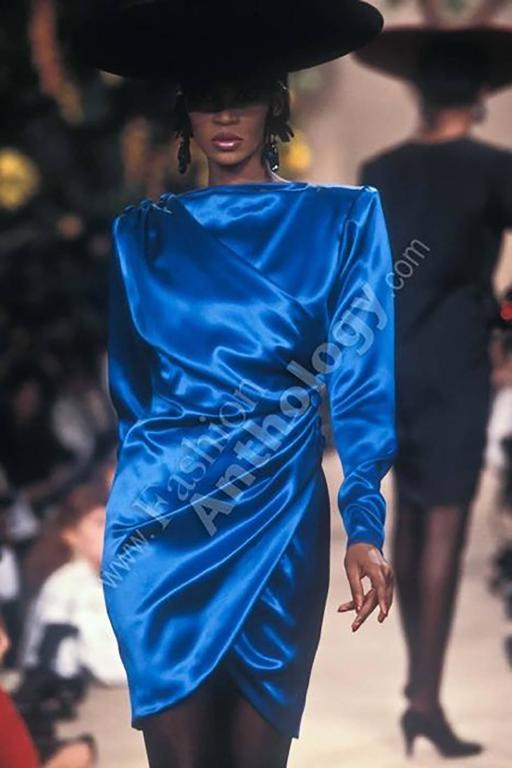 1987 A/H Yves Saint Laurent YSL Haute Couture Electric Blue Silk Cocktail Dress In Good Condition For Sale In Los Angeles, CA