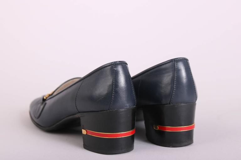 Gray 1970's Gucci Navy Leather Loafers Heels w/GoldTone &Racer Stripe Enamel Hardware For Sale