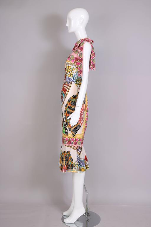 Dolce & Gabbana Fitted Silk Cocktail Dress W/Graphic Fan Print & Trumpet Hem In Excellent Condition For Sale In Los Angeles, CA