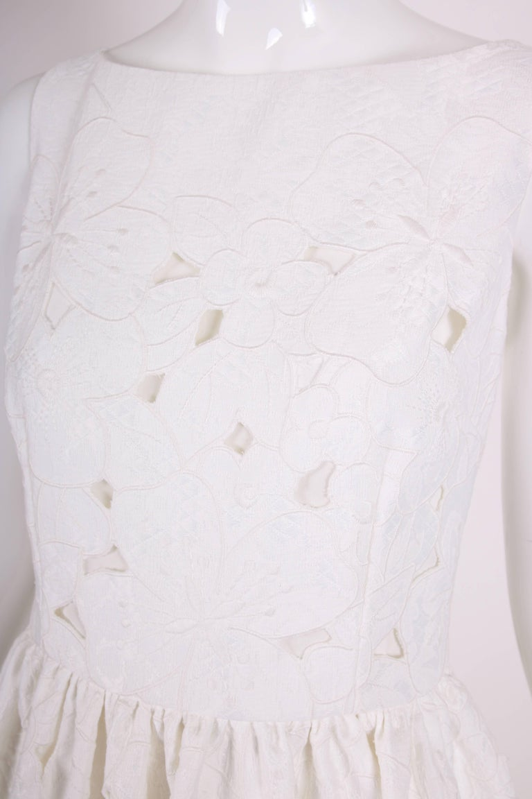 Women's 2013 Dolce & Gabbana White Sleeveless Floral Cutout Day Dress - NWT For Sale