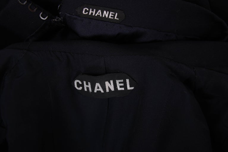 Chanel Haute Couture Navy Blue Wool Jacket and Skirt Ensemble No. 68181 For Sale 2