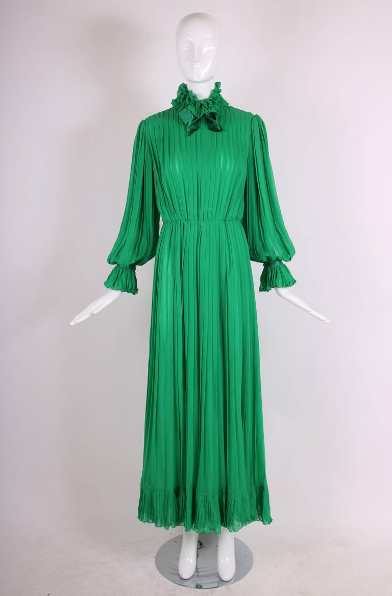 1970's Bill Blass Green Silk Chiffon Pleated Evening Gown w/Silk Trim  In Excellent Condition For Sale In Los Angeles, CA