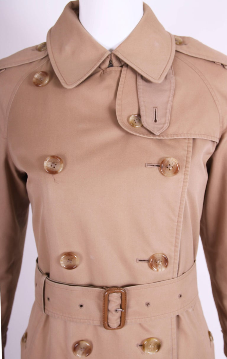 Classic Burberry Trench Coat in Camel w/Plaid Interior Lining 7