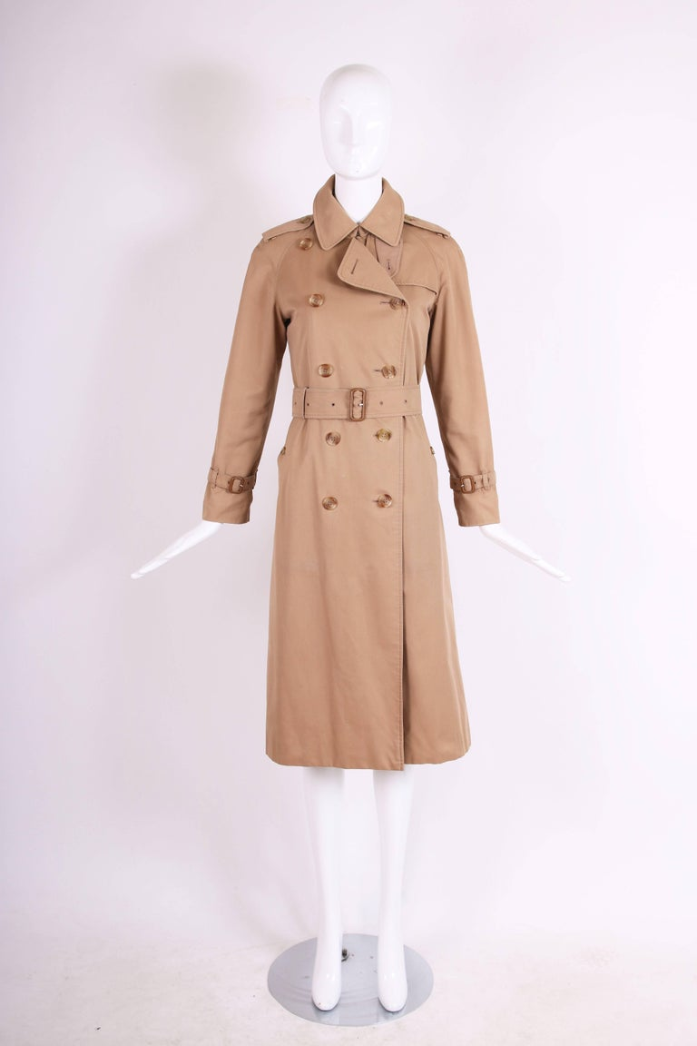 Classic Burberry Trench Coat in Camel w/Plaid Interior Lining 3