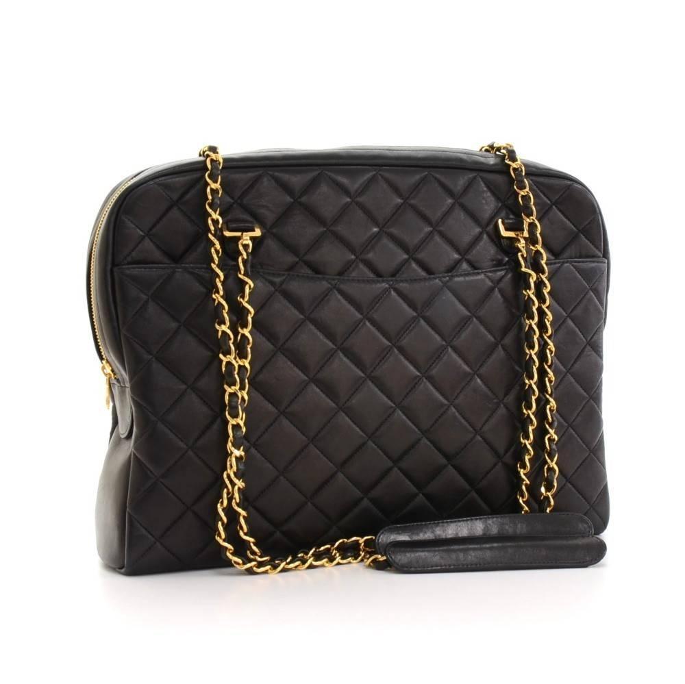 8e9d0670430427 Chanel Vintage Black Quilted Leather Shoulder Bag   Stanford Center ...