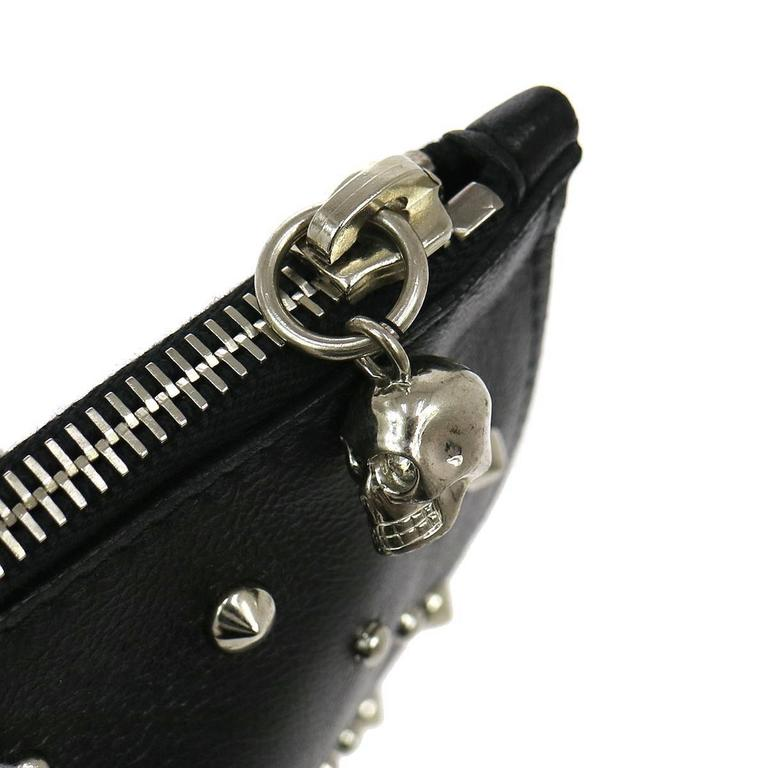 Alexander Mcqueen Black Leather Silver Skull Large Envelope Clutch Bag In Excellent Condition For