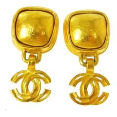 Chanel Vintage Gold Square Button Charm Drop Dangle Evening Earrings