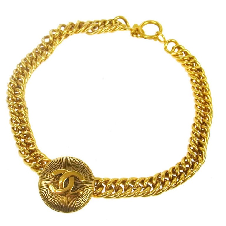 Chanel Vintage Gold Textured Charm Coin Medallion Link Evening Choker Necklace For Sale