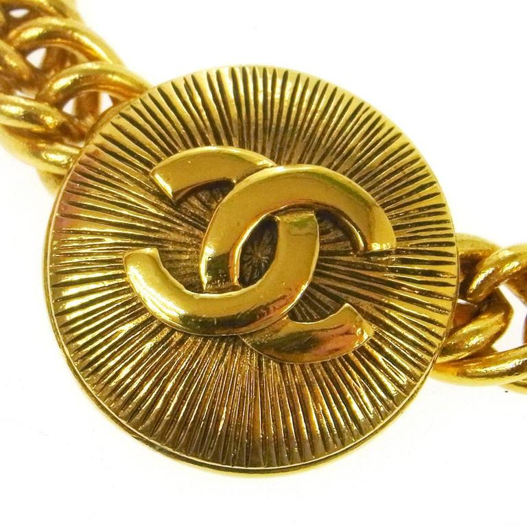 Chanel Vintage Gold Textured Charm Coin Medallion Link Evening Choker Necklace  Metal Gold tone Lobster claw closure Made in France Charm diameter 1