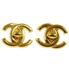 Chanel Vintage Gold Classic Charm Twist Button Stud Evening Earrings