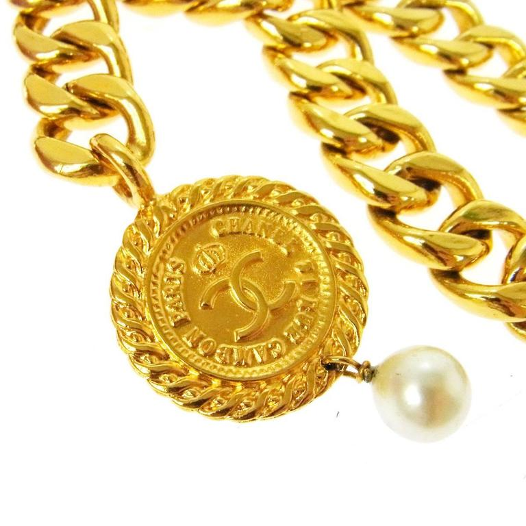 Chanel Vintage Gold Double Link Pearl Coin Medallion Choker Necklace in Box 4