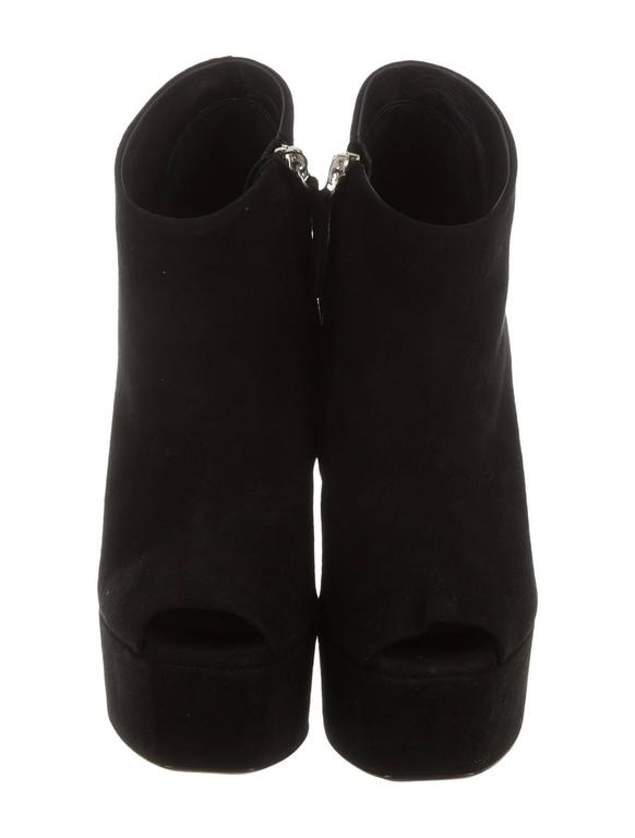 Giuseppe Zanotti NEW & SOLD OUT Black Suede Embellished Ankle Booties in Box In New Never_worn Condition For Sale In Chicago, IL