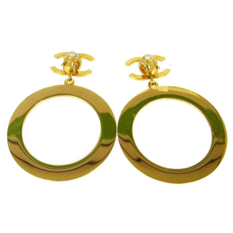 Chanel Rare Vintage Gold Charm Oversize Large Doorknocker Drape Drop Earrings  In Good Condition For Sale In Chicago, IL