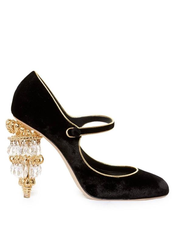 Dolce & Gabbana NEW & SOLD OUT RUNWAY Black Gold Evening Mary Jane Heels in Box In New never worn Condition For Sale In Chicago, IL