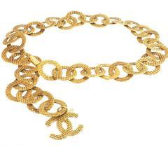 Chanel Vintage Rare Large Gold Textured Link Charm Waist Belt / Necklace