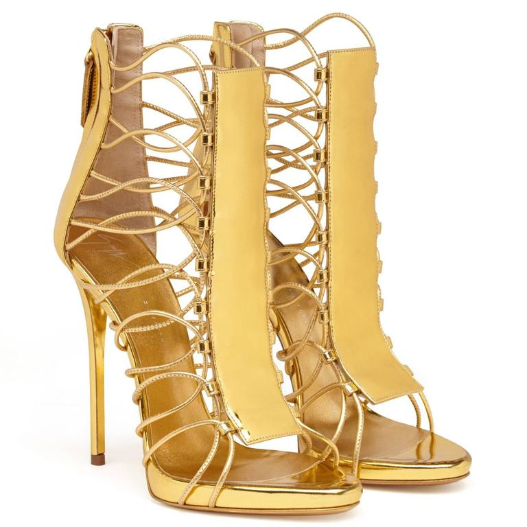 Giuseppe Zanotti New Gold Leather Gladiator Sandals Heels in Box In New never worn Condition For Sale In Chicago, IL