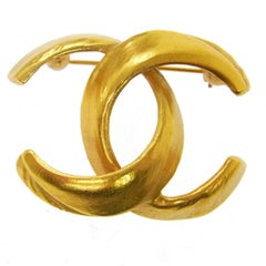 Chanel Vintage Brushed Gold Charm Evening Pin Brooch