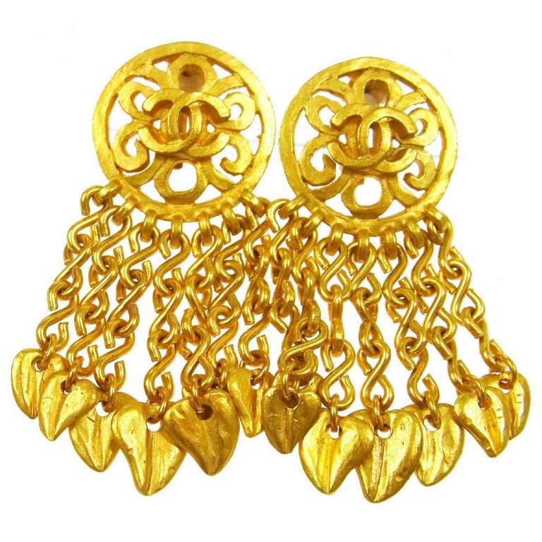 Chanel Vintage Gold Metal Charm Chain Dangle Drop Chandelier Evening Earrings For Sale