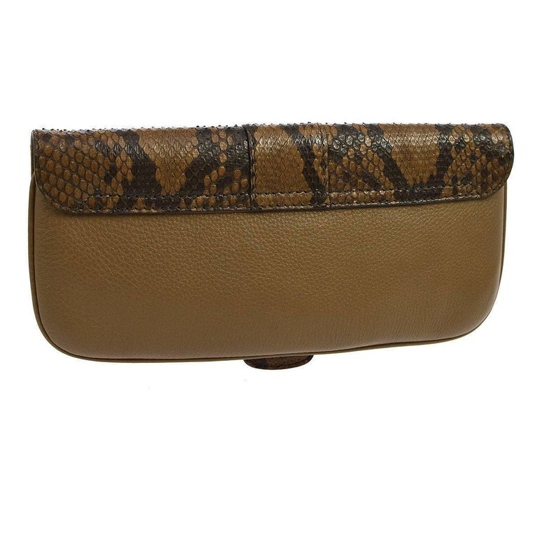 Gucci Cognac Taupe Black Snakeskin Leather Horsebit Evening Clutch Bag In Excellent Condition For Sale In Chicago, IL