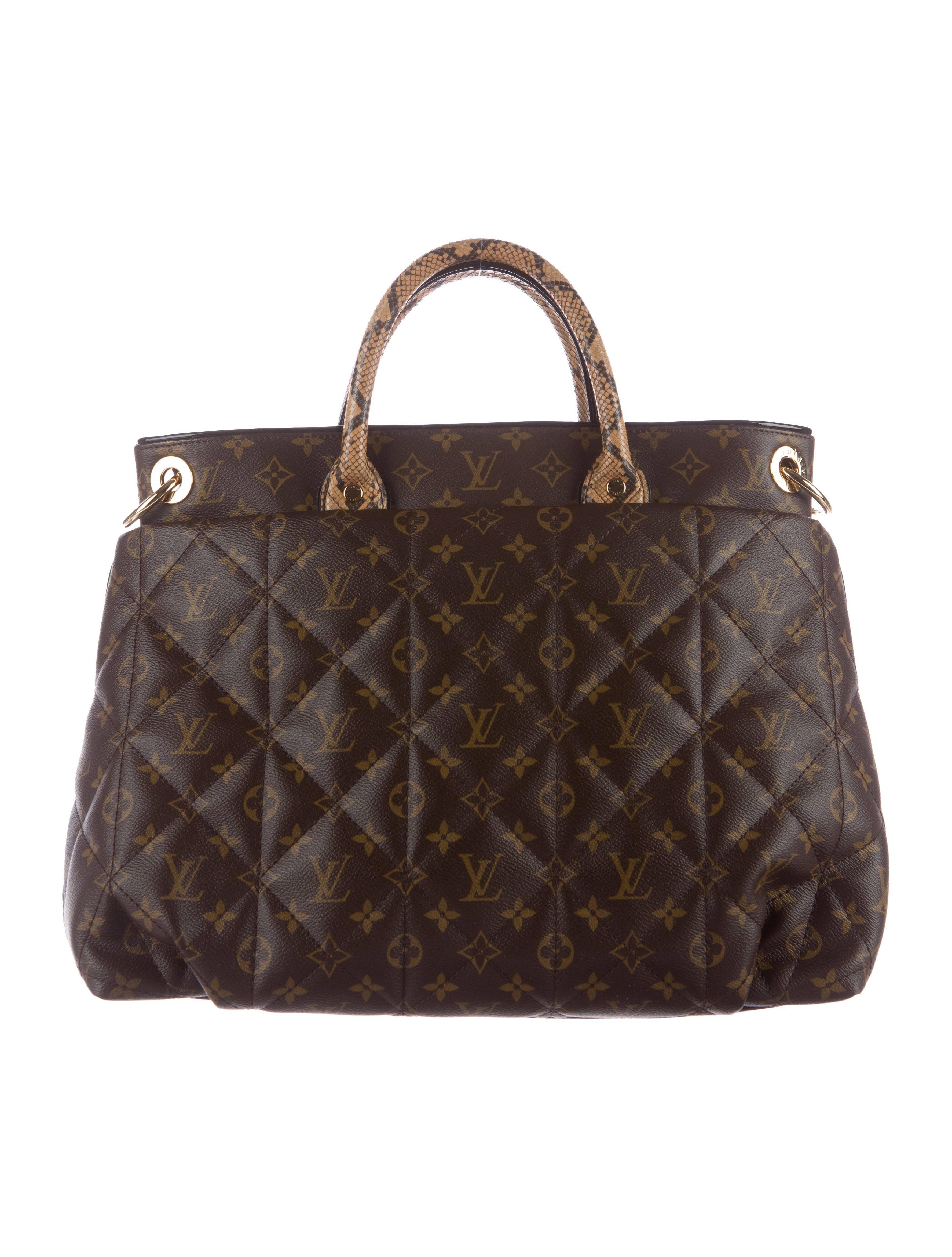 4e4b243b2261 Louis Vuitton Monogram Python Large Men s Carryall Top Handle Tote Shoulder  Bag For Sale at 1stdibs