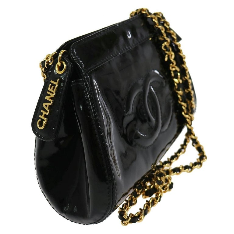 Chanel Black Patent Leather Party Crossbody Shoulder Bag W/Box In Excellent Condition For Sale In Chicago, IL